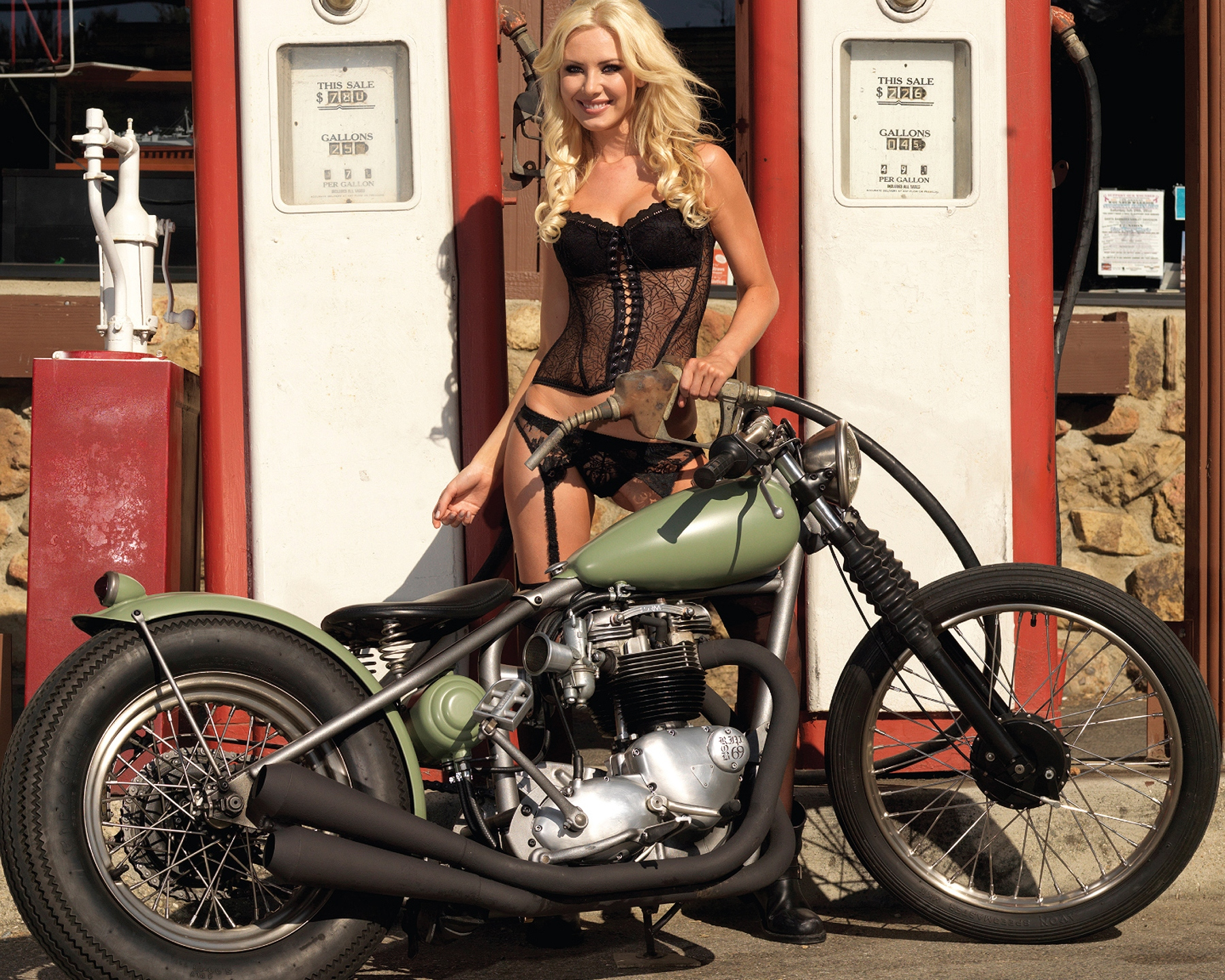girls_and_motorcycles_wallpaper_background_44635.jpg.jpg
